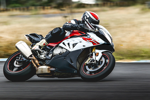 moto sur piste