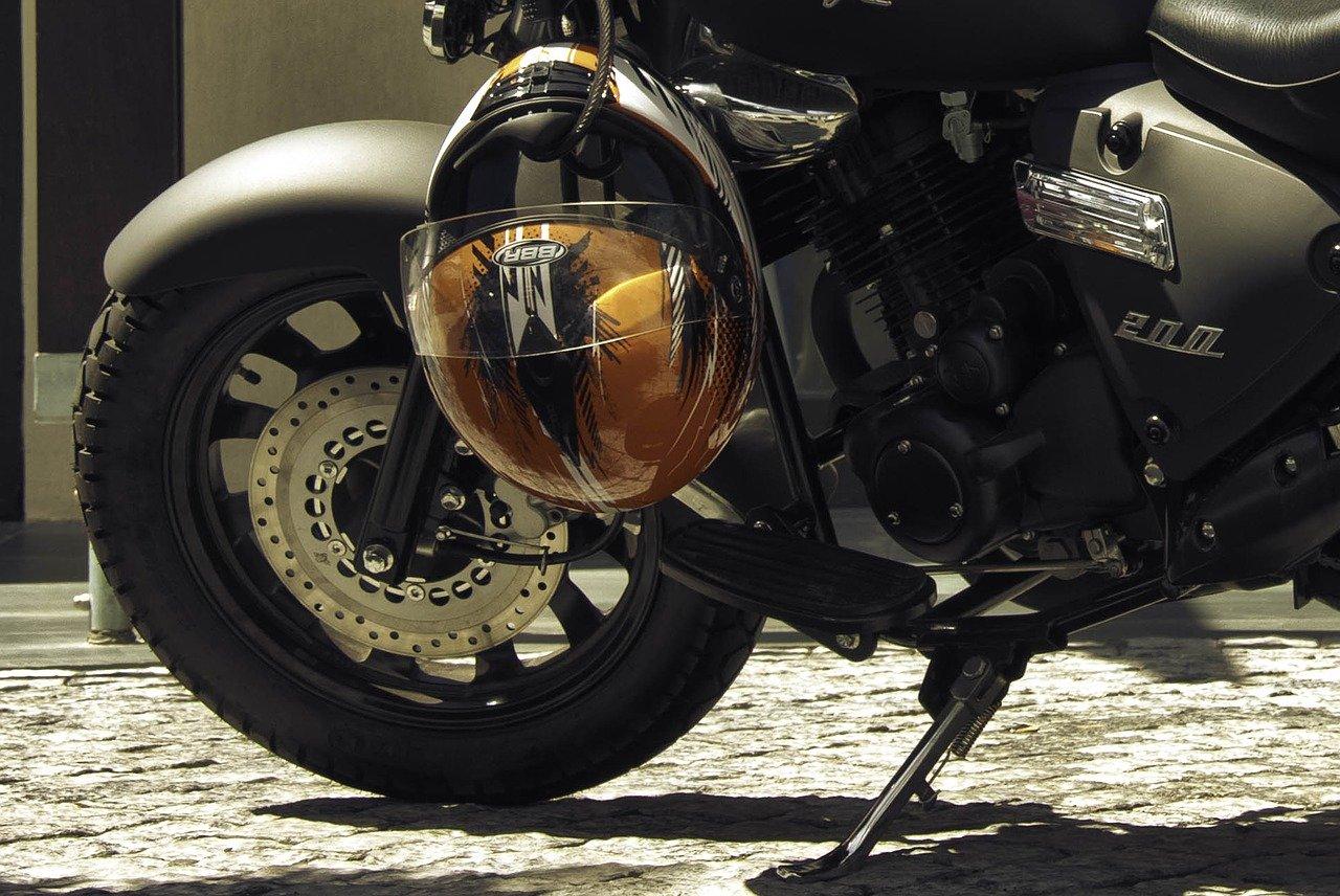moto avec casque