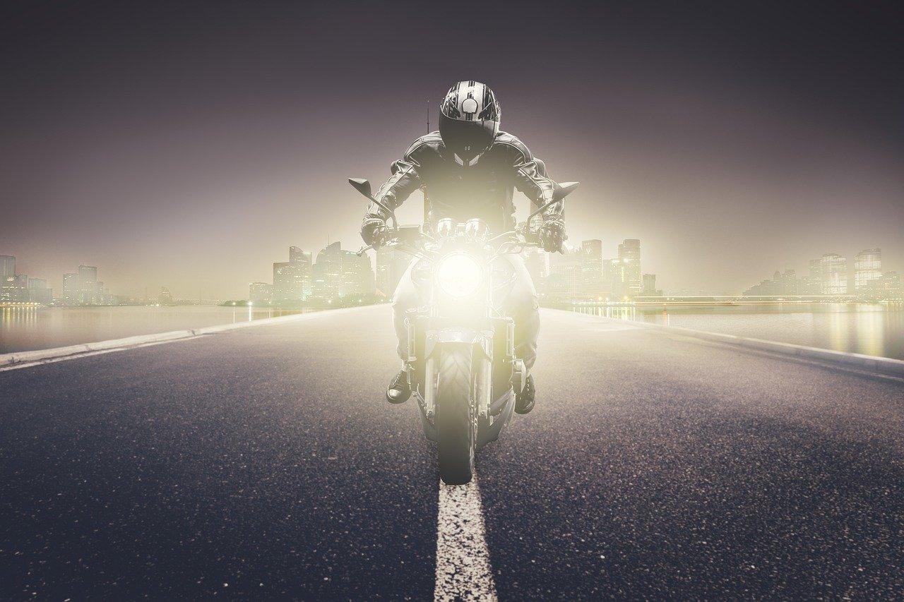 moto de nuit